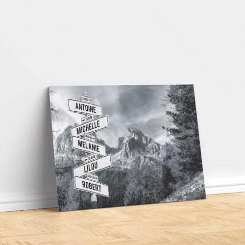 tableau de prenoms personnalise sur toile avec fond montagne
