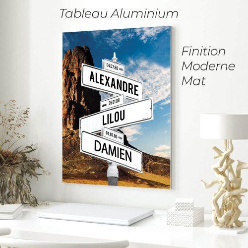 tableau de prenoms personnalise sur aluminium avec fond montagne