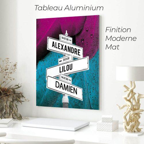 tableau de prenoms personnalise sur aluminium avec fond plumes