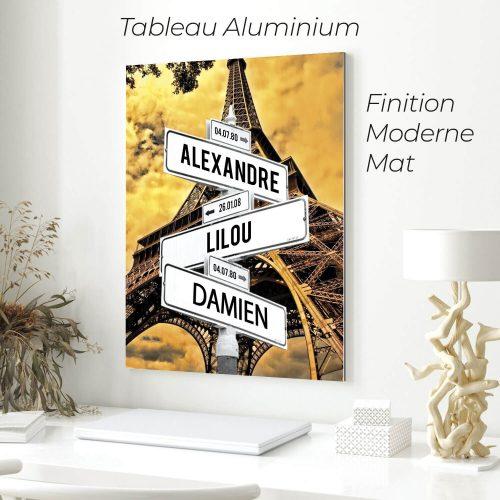 tableau de prenoms personnalise sur aluminium avec fond tour eiffel
